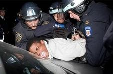 برخورد وحشیانه پلیس آمریکا با سیاه پوستان