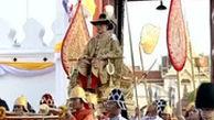 پادشاه جدید تایلند روی دست بردند