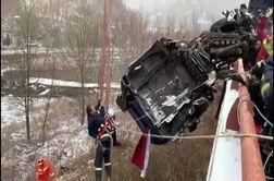 نجات راننده کامیون پس از تصادف زنجیره ای