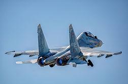 هنرنمایی خلبان روس در آسمان + فیلم