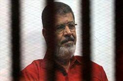 گاف عجیب اخبارگوی مصری حین اعلام خبر مرگ مرسی + فیلم