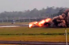 سقوط وحشتناک جنگنده میگ ۲۷ در حین تیک آف + فیلم