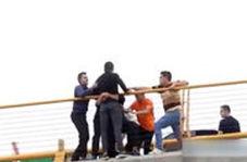 جلوگیری از خودکشی مرد جوان در مشهد توسط مردم
