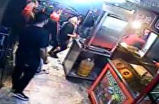 حمله وحشیانه با قمه به صاحب ساندویچی