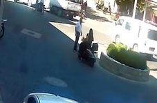 مصدوم شدن زن موتورسوار پس از دو بار تصادف با یک مرد + فیلم