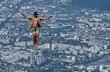 فستیوال هیجان انگیز راه رفتن روی طناب در فرانسه