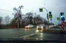 رانندگی جنون آمیز ماشین شاسی بلند با بیشترین سرعت!+ فیلم
