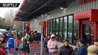 فیلم/شیوع کرونا در آمریکا و هجوم مردم به فروشگاهها