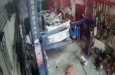 چپ کردن یک کامیون بر اثر اشتباه تعمیرکار