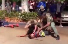 حمله وحشیانه پلیس فلوریدا به یک نوجوان ۱۵ ساله