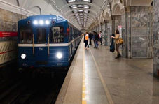 تعجب نکنید؛ اینجا یک روز عادی در مترو روسیه است!