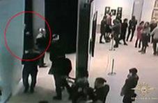 لحظه سرقت تابلوی نقاشی ۱۸۲ هزار دلاری در روسیه