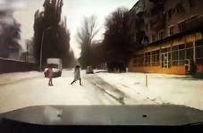 عاقبت تلخ دویدن دختر 15 ساله وسط خیابان