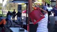 درگیری شدید مشتریان آفریقایی با ویتنامی در رستوران!