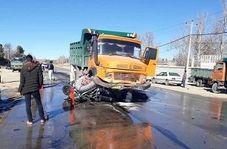 حادثه دلخراش له شدن پراید زیر چرخهای کامیون