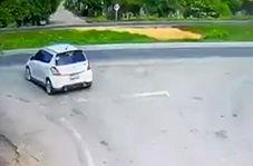 تصادف عجیب و وحشتناک دو خودرو در جاده