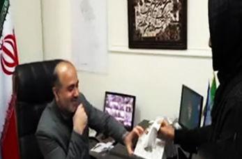 دادستانی که به صورت پیامکی مشکلات مردم را حل میکند + فیلم