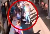 سقوط وحشتناک کودک استرالیایی از سکوی مترو