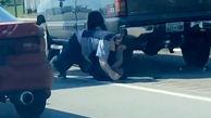 کتک کاری دو راننده در کنار جاده+ فیلم