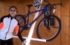 ایدهای عالی برای استفاده بهینه از فضا/ پارک دوچرخه در سقف!