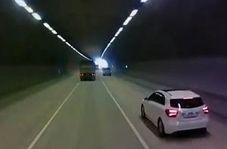 فرار راننده کامیون پس از له کردن یک خودرو در تونل
