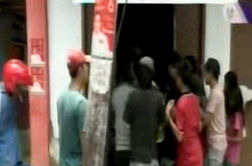 غارت فروشگاهها توسط زلزله زدگان اندونزی!