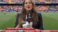 حادثه عجیب برای گزارشگر بازی والنسیا و آرسنال!