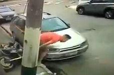 فرار زیرکانه موتورسوار از دست پلیس