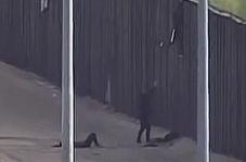 مجروحیت دو دختر نوجوان هنگام پرش از روی دیوار مرزی آمریکا