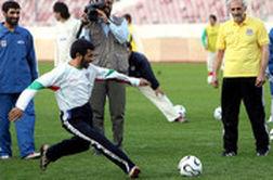 استقلالی بودن احمدینژاد روی آنتن زنده لو رفت!