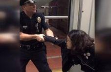 رفتار خشن پلیس آمریکا با زن جوان!