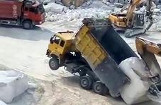 نحوه بارگیری سنگ در معدن بدون جرثقیل