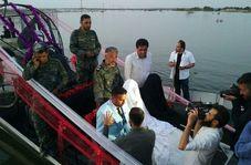 مراسم ازدواج دو جوان سوسنگردی روی قایق +فیلم