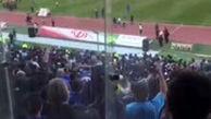 هواداران: رحمتی حیا کن، استقلالو رها کن!