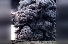 دود حیرت آوری که یک کوه آتشفشان تولید کرد