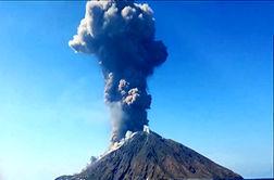 فوران آتشفشان «استرومبولی» در ایتالیا + فیلم